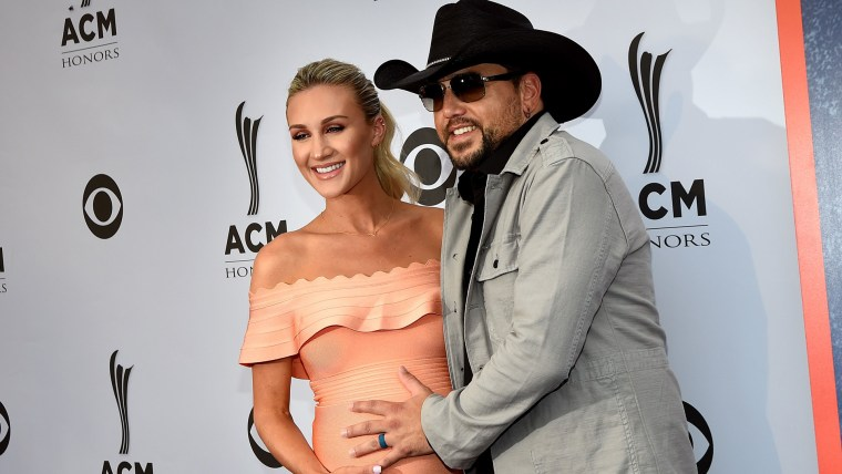 Image: 11th Annual ACM Honors - Red Carpet