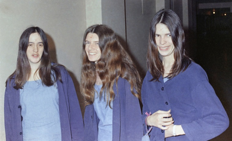 Image: Charles Manson's followers, Susan Atkins, Patricia Krenwinkel and Leslie Van Houten, walk to court