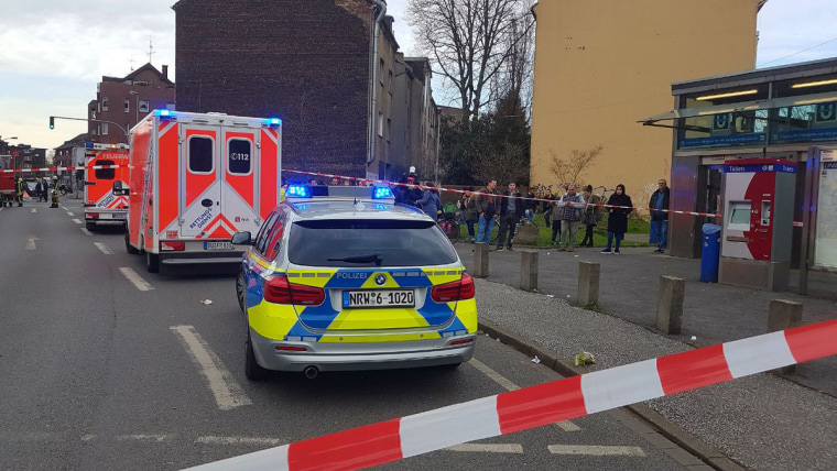 Image: Emergency services respond to an incident at the Auf dem Damm subway stop in Duisburg