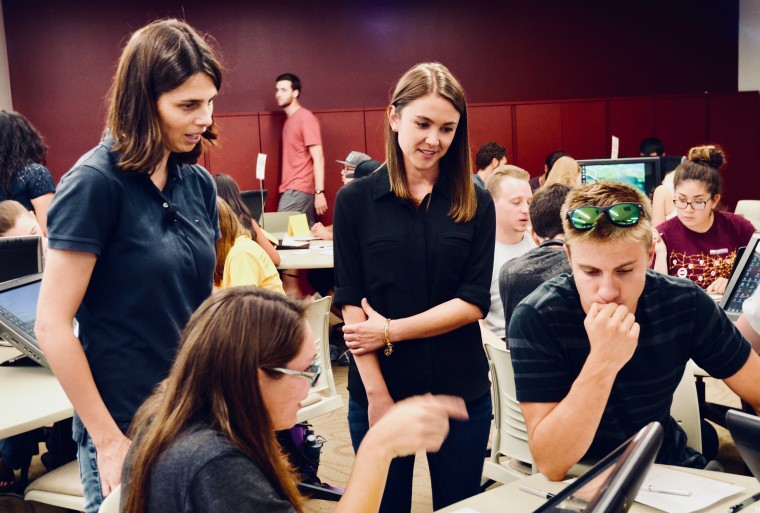 Image: Students in an Arizona State University biology class who took part in a study of how men and women view their own intelligence