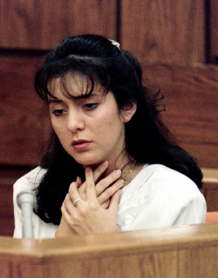 Image: Lorena Bobbitt describes  how her husband John choked her during a court appearance