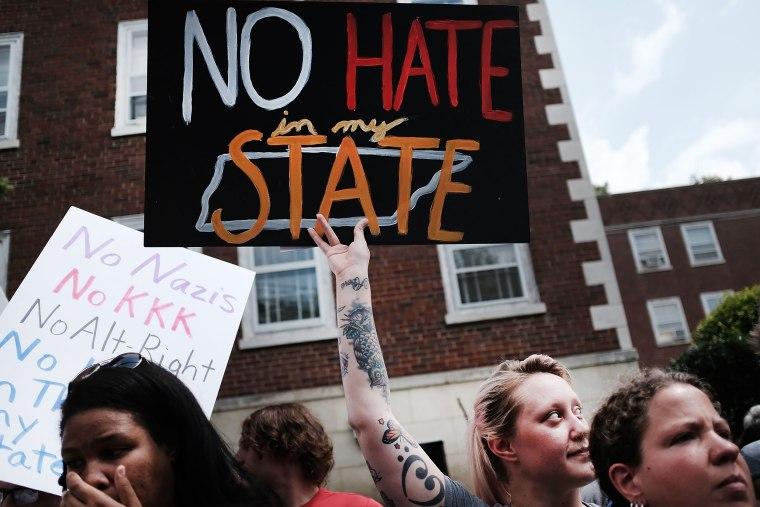 Image: Confederate monument protest