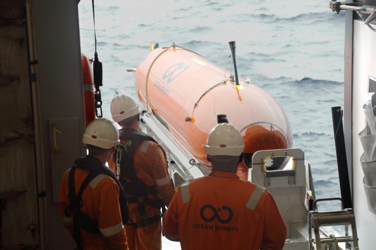Automonous underwater vehicles will be used to survey the sea floor to search for the wreck of the Endurance.