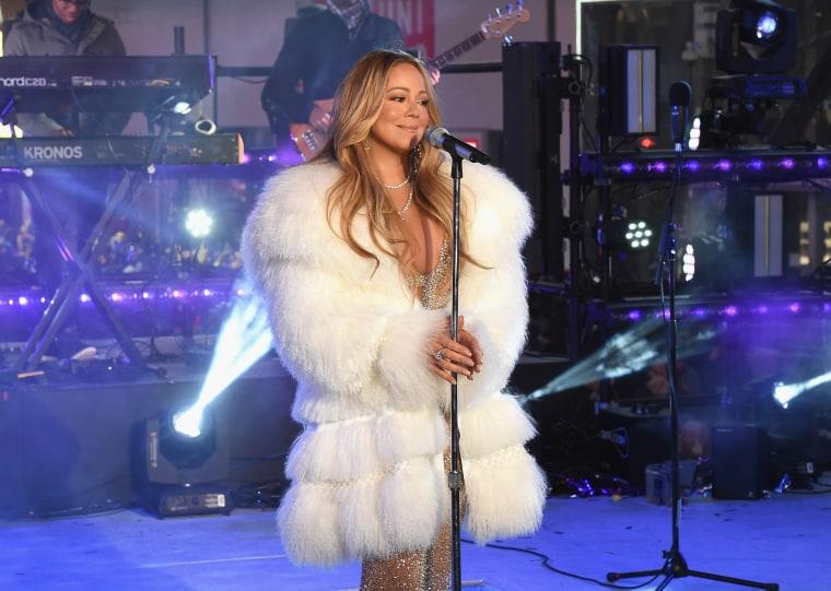 Image: Mariah Carey performs at the Dick Clark's New Year's Rockin' Eve