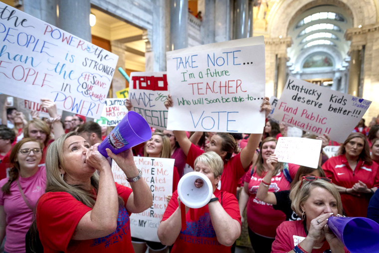Image: Teachers from across Kentucky gather inside the state Capitol