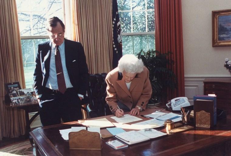 Mrs. George H. W. Bush;George H. W. Bush [& Wife]