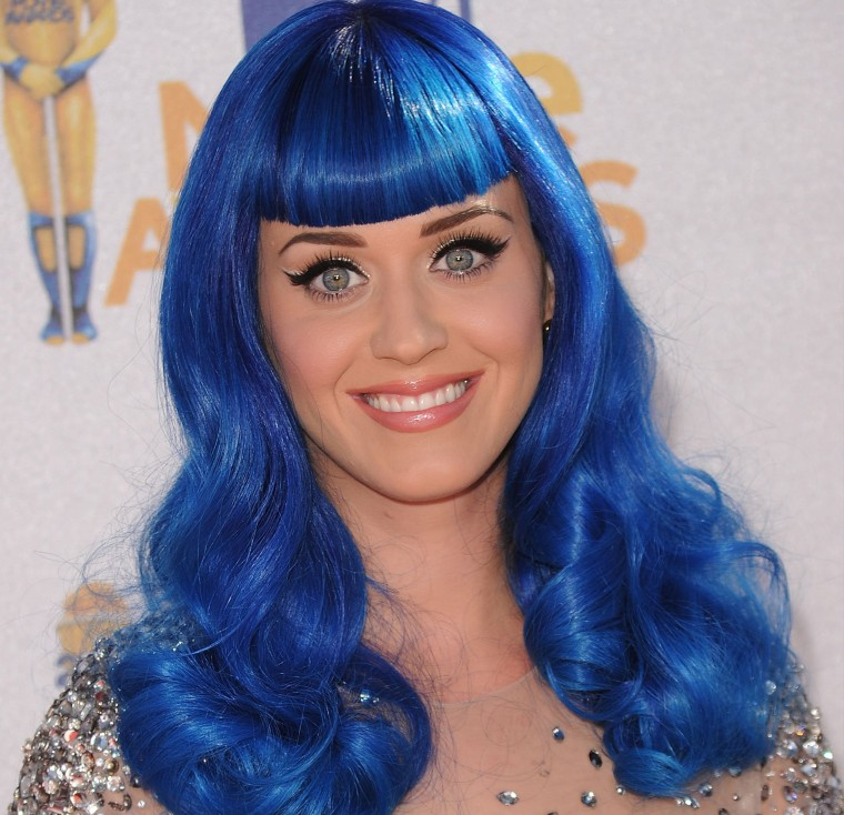 Katy Perry Has Bright Pink Hair To Look Like A Cherry Blossom