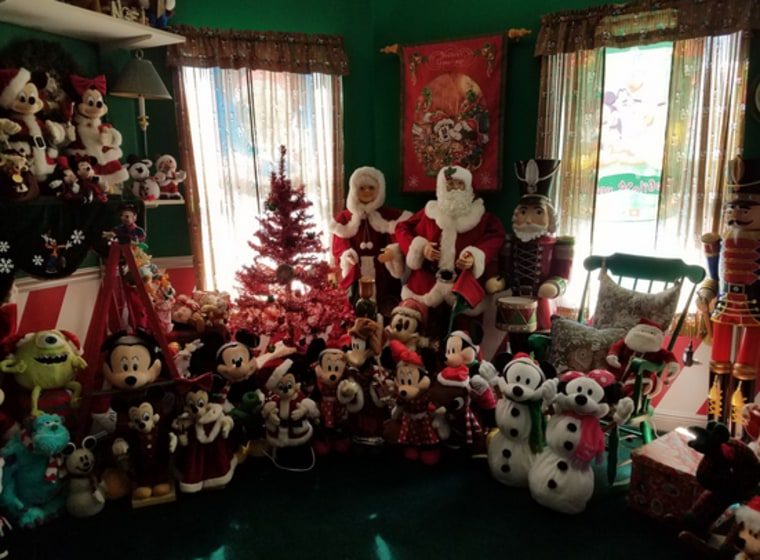disney house - Mickey Mouse Christmas House Decorations