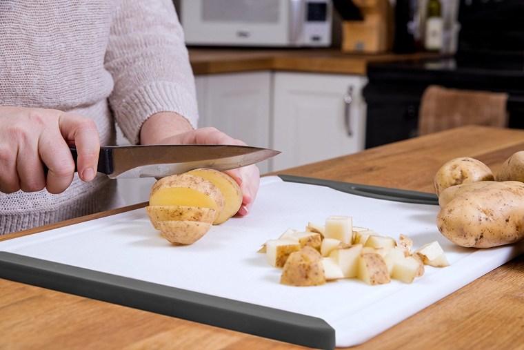 Vettore non-slip cutting board on Amazon.