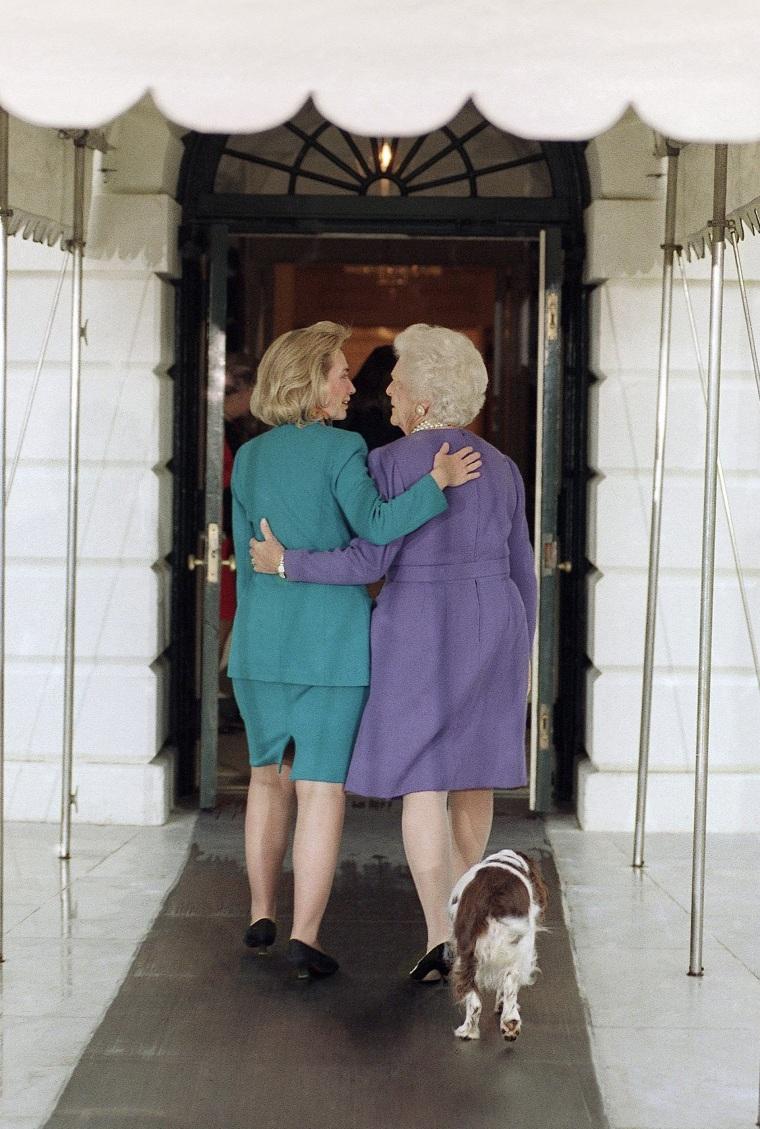 Image: Barbara Bush, Hillary Rodham Clinton