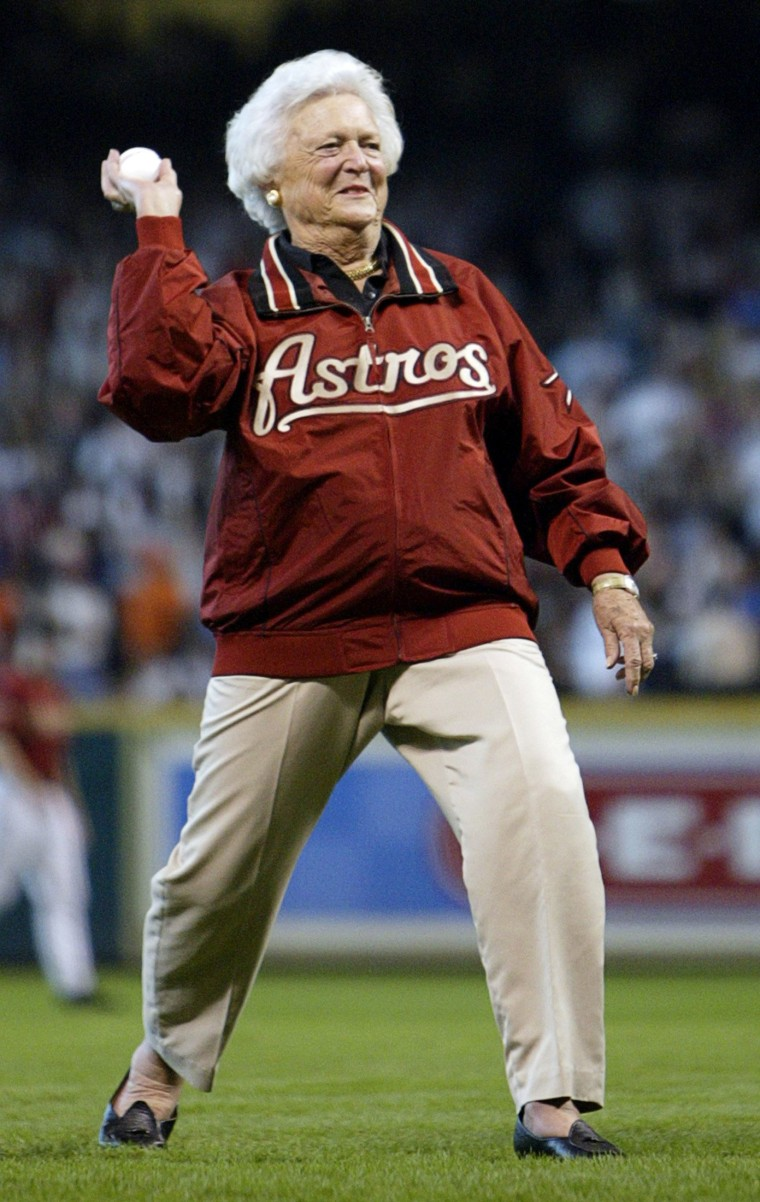 Image: Former first lady Barbara Bush throws out first pitch before NLCS Game 4 in Houston.
