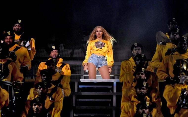 Image: Beyonce coachella