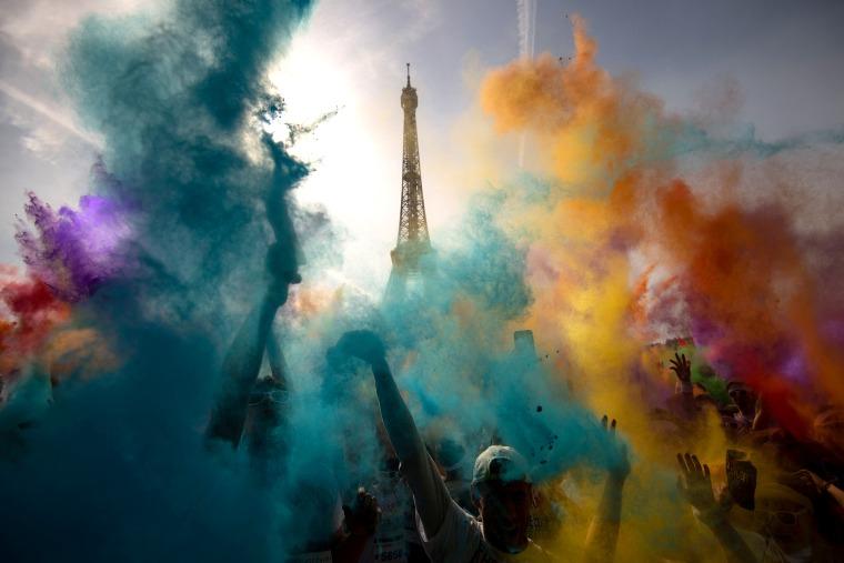 Image: FRANCE-COLOR RUN-SPORT-ENTERTAINMENT