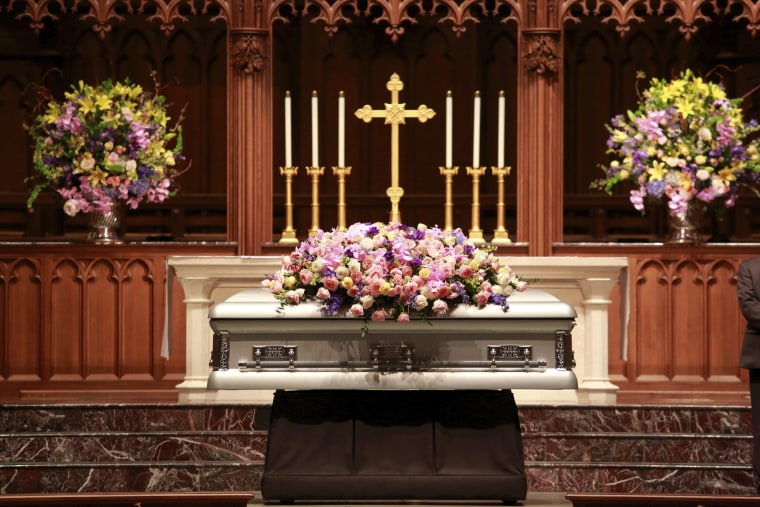 Image: Barbara Bush repose