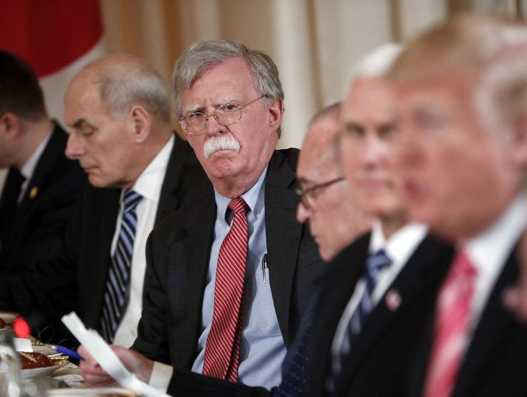 Image: Donald Trump, John Kelly, John Bolton, Larry Kudlow, Mike Pence
