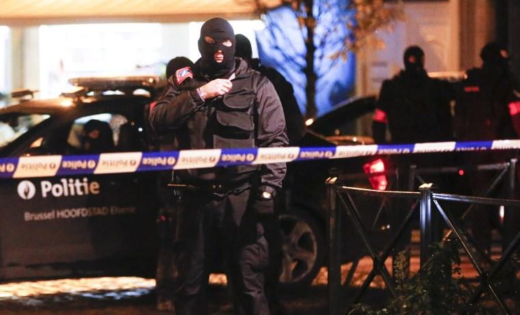 Image: Police operation in Molenbeek