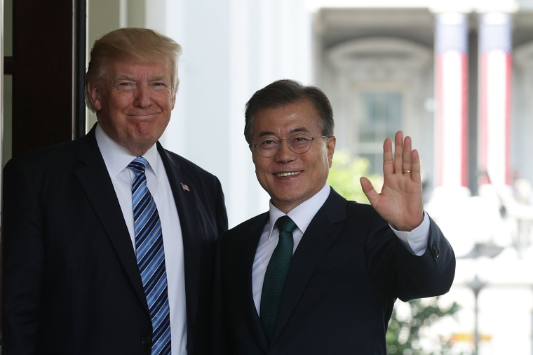 Image: Moon Jae-in and Donald Trump
