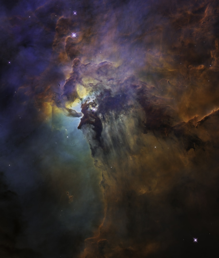 Hubble celebrates anniversary in style with stunning view of Lagoon Nebula