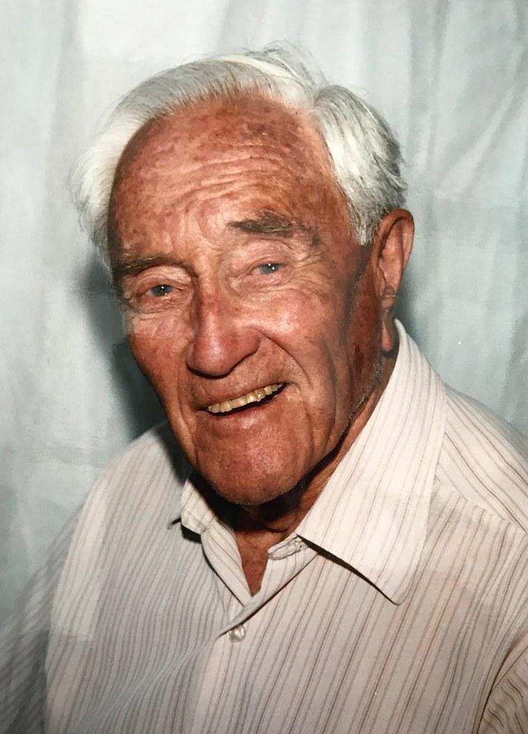 Image: Australian 104-old academic David Goodall departs for Switzerland for voluntary euthanasia