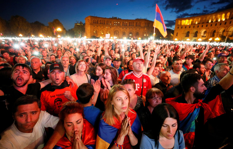 Image: Supporters of Armenian opposition leader Nikol Pashinian attend a rally