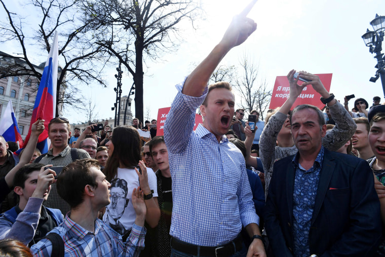 Image: Alexei Navalny shouts during an unauthorized anti-Putin rally