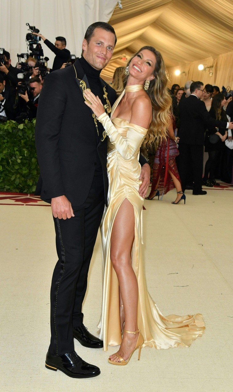 Image: CORRECTION-US-ENTERTAINMENT-FASHION-METGALA