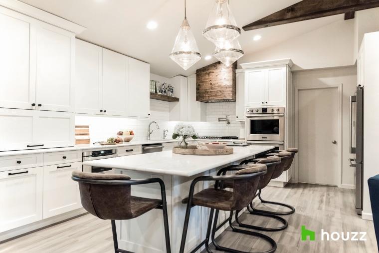 Olivia Munn makes over Mom's kitchen
