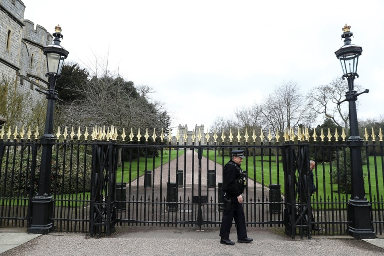 Image: Police at Windsor Castle