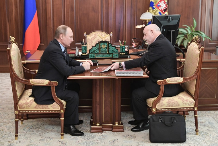 Image: Putin meets with Vekselberg at the Kremlin in March 2017