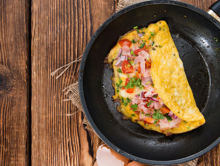 Add Volume To An Omelet With Non Starchy Veggies Like Raw Spinach Which Has Just Three Calories In A Half Cup Handmadepictures Shutterstock