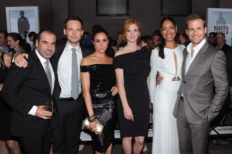 "Meghan Markle and the ""Suits"" cast"