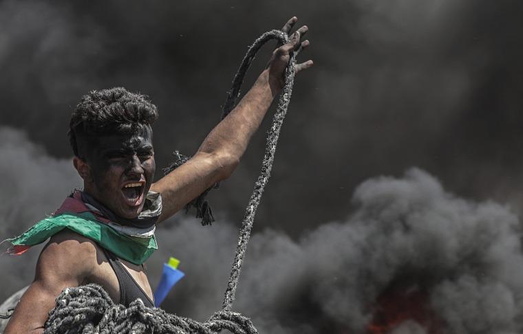 Image: Clashes by Gaza-Israeli border