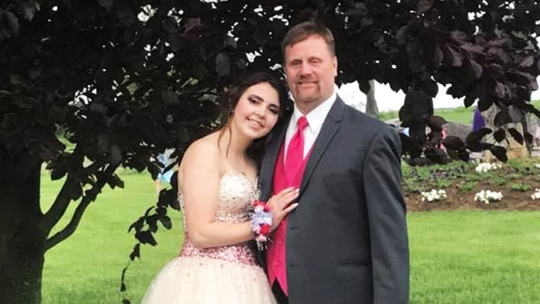 Robert Brown made sure his late son's girlfriend, Kaylee Suders, had a senior prom to remember.