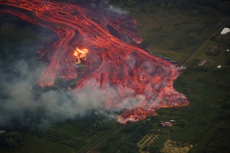 Image: Massive fast lava flow from Hawaii's Kilauea volcano
