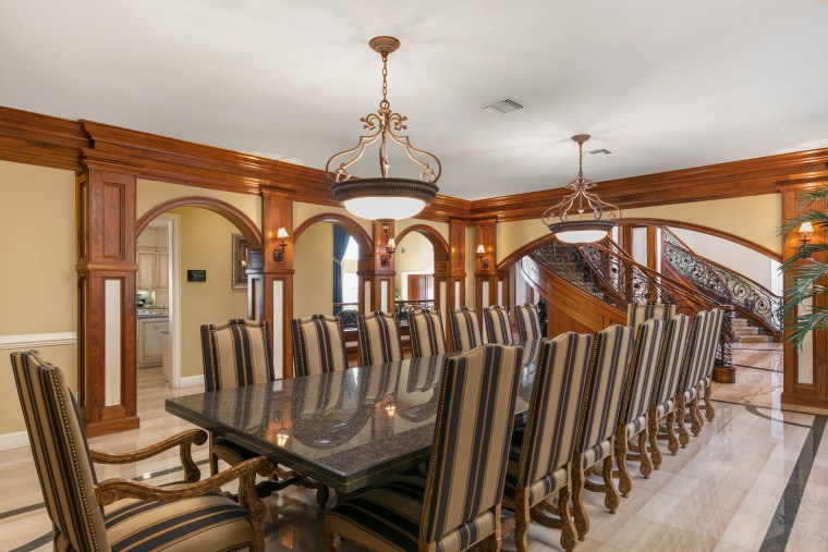 Shaquille O'Neal house for sale: dining room