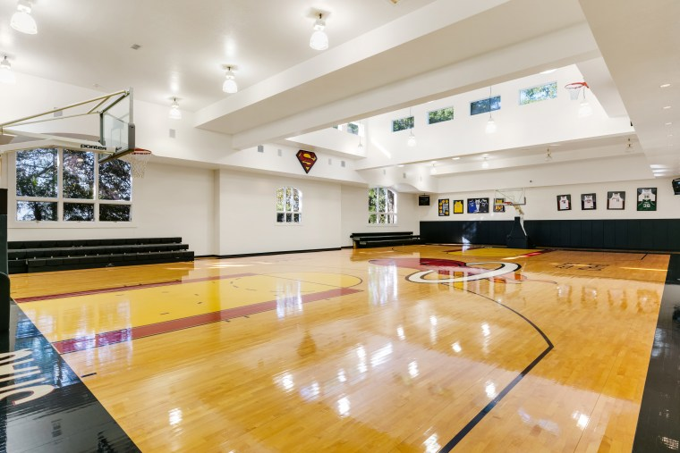 Shaquille O'Neal house for sale: basketball court