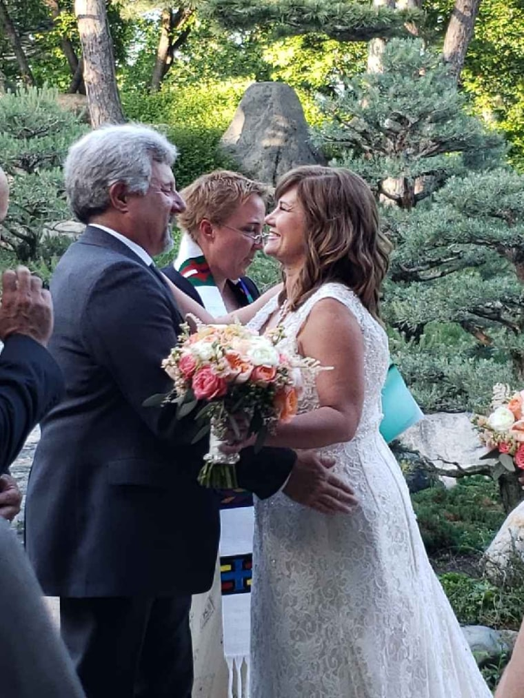 High school sweethearts reunite and marry 37 years later after making wedding pact