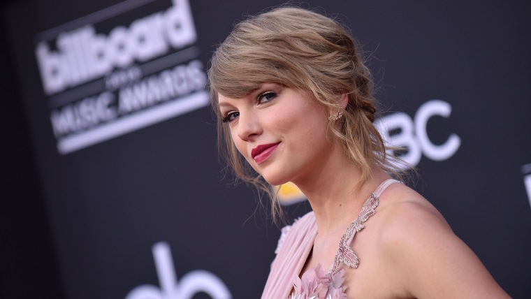 Taylor Swift attends the 2018 Billboard Music Awards