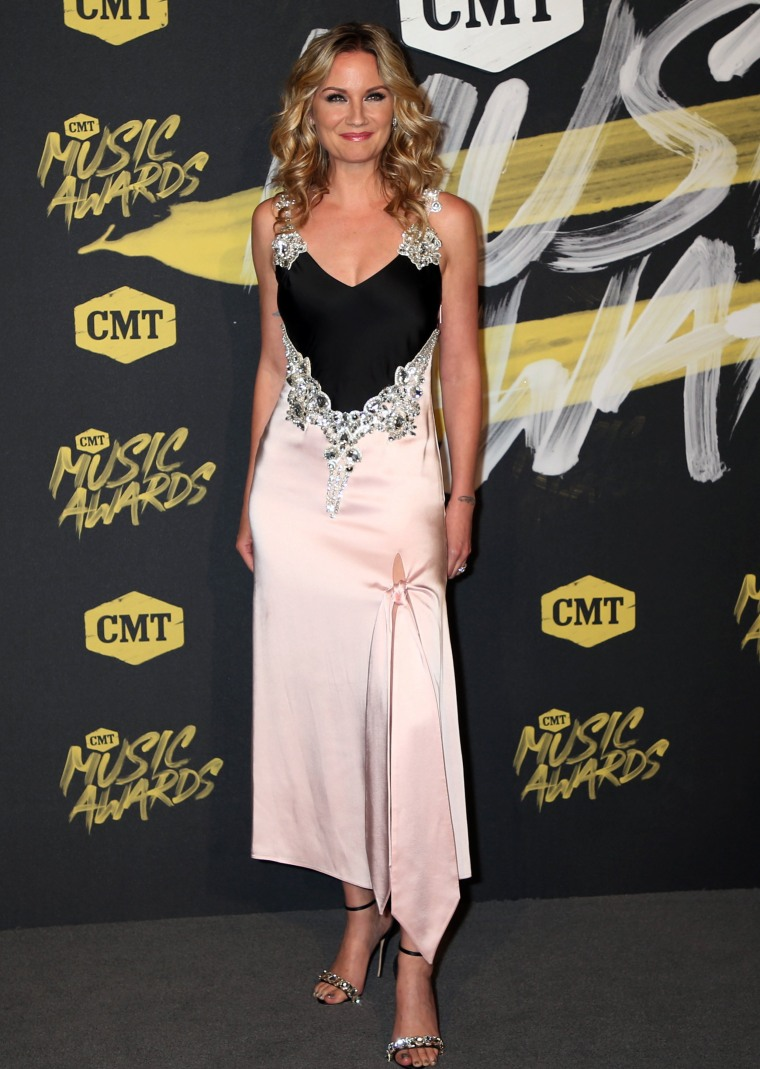 Jennifer Nettles 2018 CMT Music Awards - Arrivals