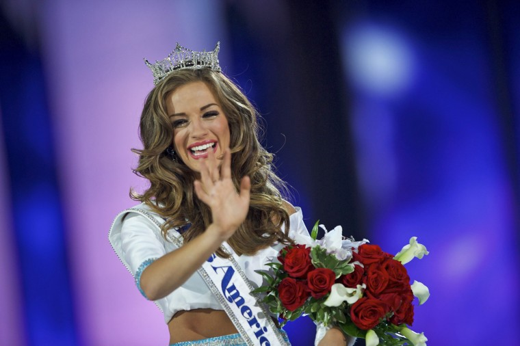 Image: Miss Georgia Cantrell reacts after being crowned Miss America 2016 at Boardwalk Hall in Atlantic City
