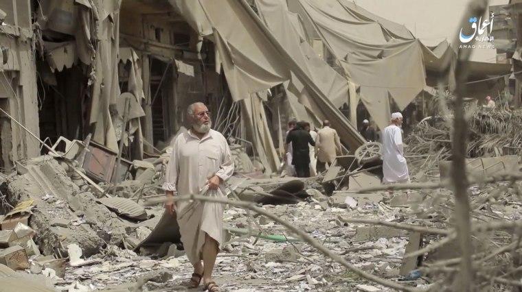 Image: Raqqa airstrikes