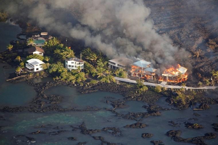 Image: Lava destroys homes in the Kapoho area, east of Pahoa