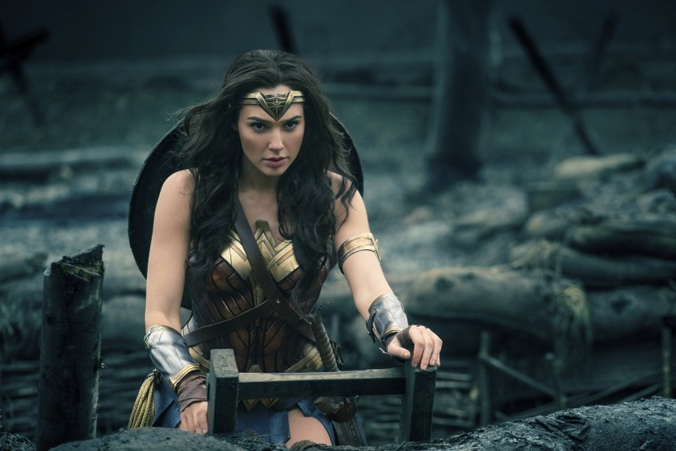 """Image: Gal Gadot in a scene from """"Wonder Woman"""""""