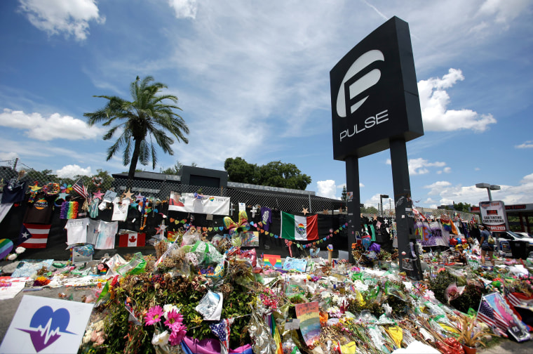 Image: A makeshift memorial outside the Pulse nightclub
