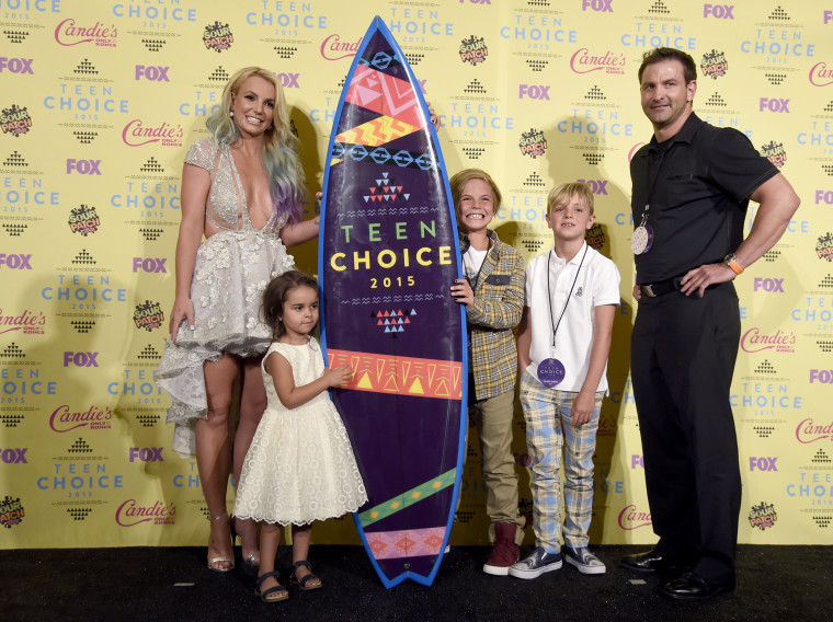 Image: Britney Spears, Lexi, Sean, Jayden James, Bryan Spears
