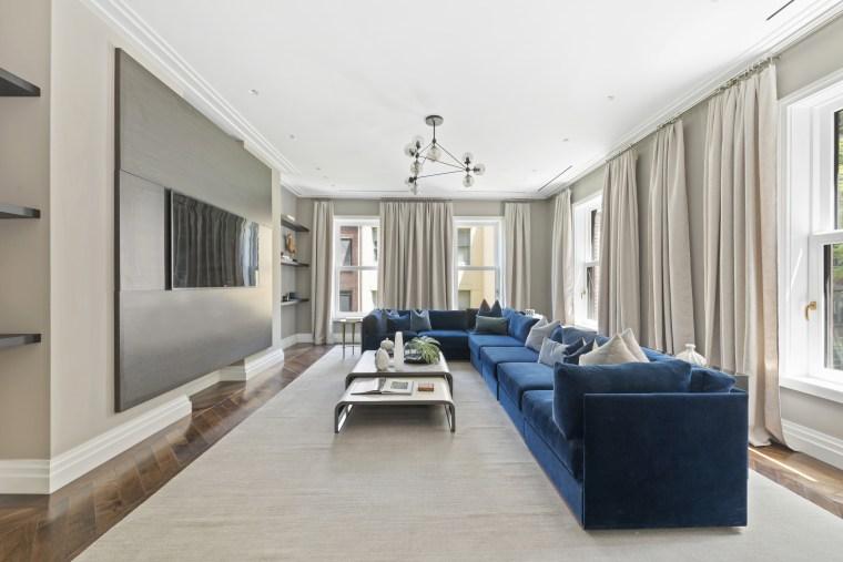 Gloria Vanderbilt former NYC apartment