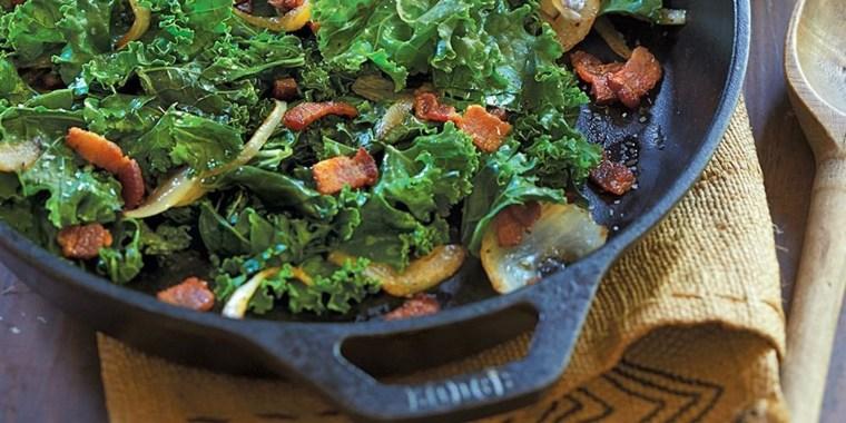 We tried Lodge's pre-seasoned cast iron pan — it's perfect