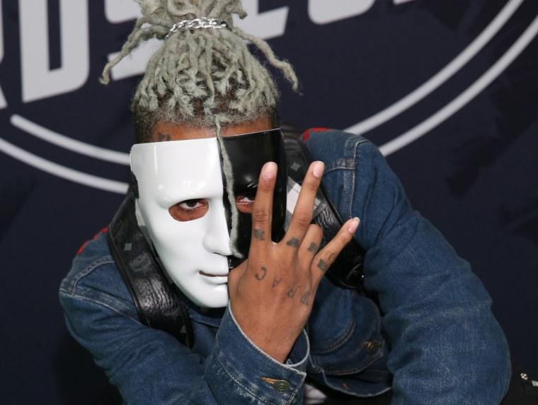 Image: Rapper XXXTentacion attends the BET Hip Hop Awards 2017