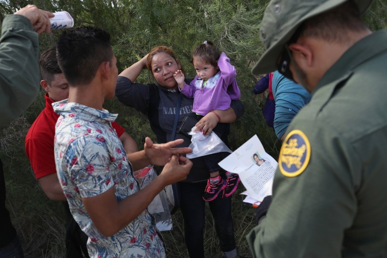 Image: Border Patrol Agents Detain Migrants Near US-Mexico Border