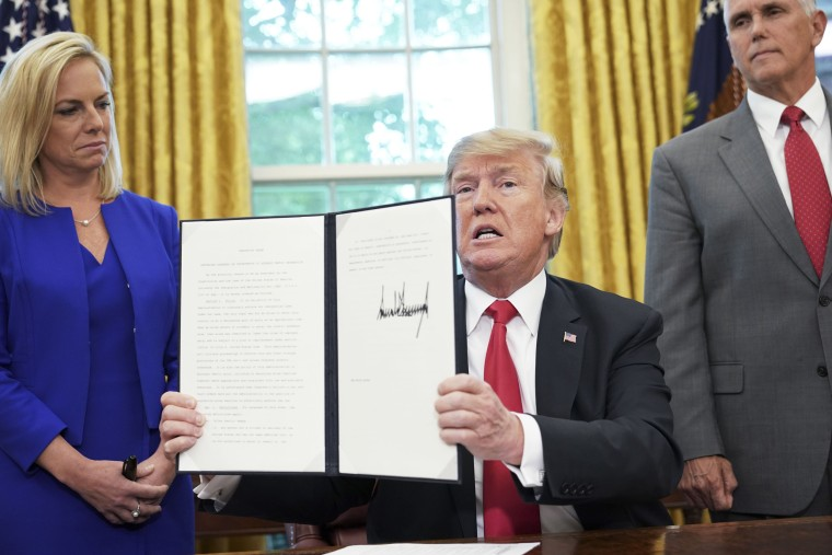 Image: Trump immigration executive order